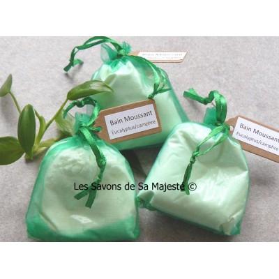 eucalyptus-camphre-decongestionnant-hydratant-bain-mousse-moussant-bubble-bath-savon-majeste-poudre-lait-chevre-sac-400x400