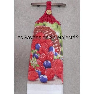 serviette-petit-fruit-fraise-bleuet-framboise-main-savon-majeste-rose-suspendre-400x400