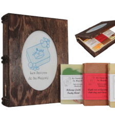 Boîte livre en bois avec 3 savons